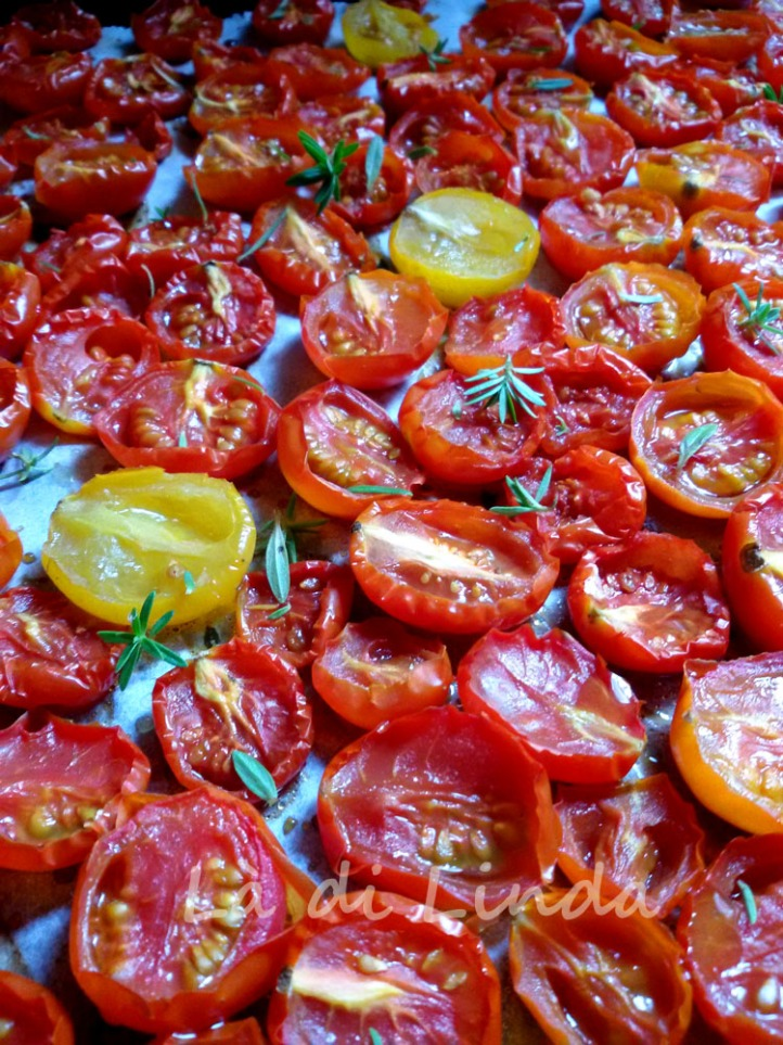 CONFIT CHERRY TOMATOES CLOSE UP
